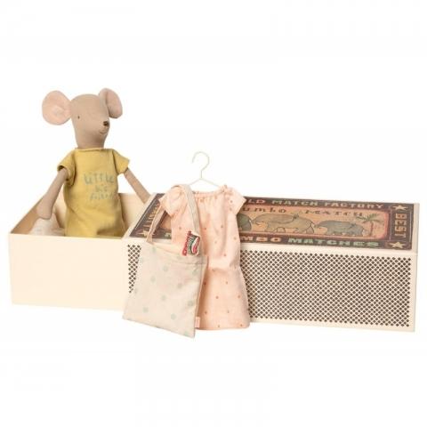 Medium Mouse in box, Girl