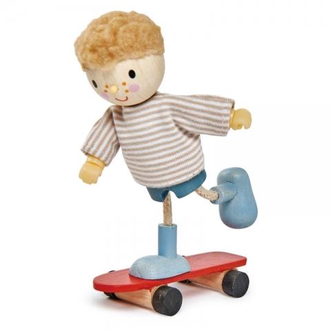 Papusi din lemn - Edward si skateboardul lui