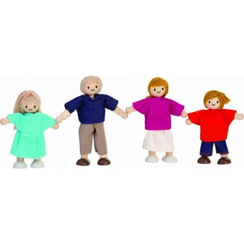 Familia de papusi din lemn