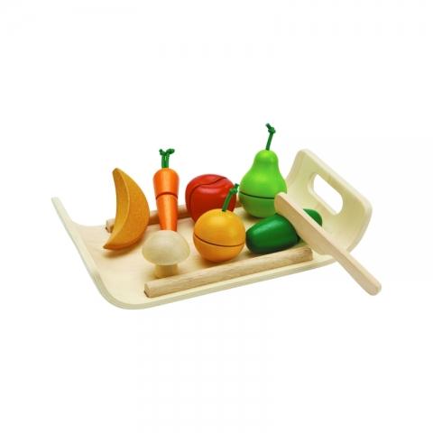 Set din lemn cu fructe si legume asortate - Plan Toys